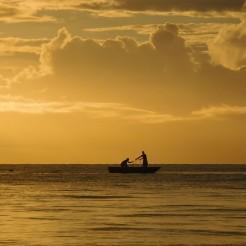 Eva Gril - Guyane - Pêcheurs au levers du soleil à Kourou